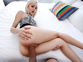 She makes him cum in his shorts
