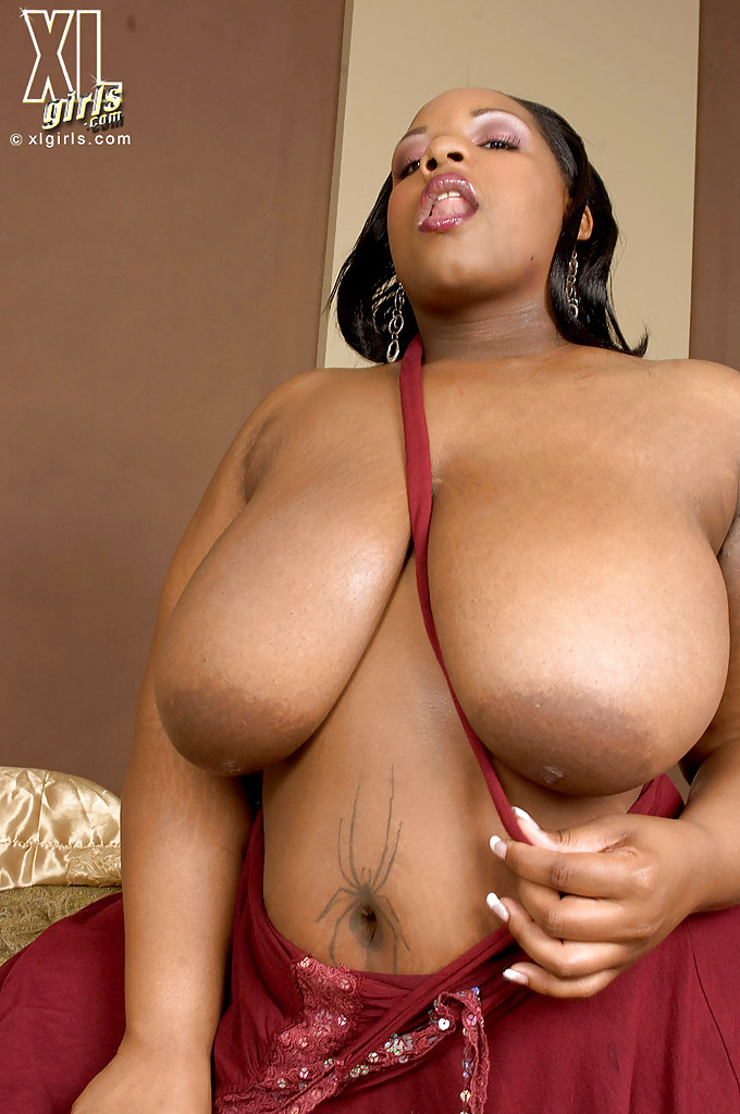 thick black girls nude